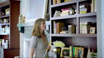 Swiffer 360 Duster Extender TV Spot, 'Book' - Thumbnail 2