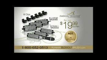 Runway Blowout Brush TV Spot, 'Volume, Bounce and Shine' - Thumbnail 9