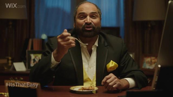 Franco Harris Falls for T.O.'s Pies thumbnail