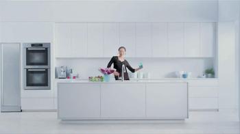 Moen TV Spot, 'Faucet Dance' - Thumbnail 8