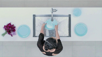 Moen TV Spot, 'Faucet Dance' - Thumbnail 5