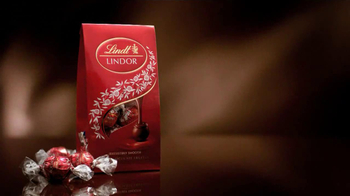 Lindt Lindor Truffles TV Spot, 'A Million Free Bags' - Thumbnail 6