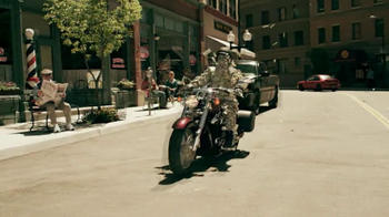 GEICO Motorcycle Money Man TV Spot, 'Driving Through' - Thumbnail 6