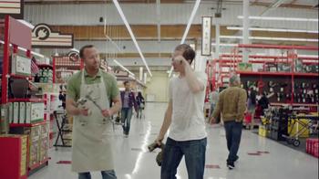 Cisco TV Spot, 'Hardware Store' - Thumbnail 9