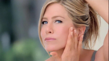 Aveeno Positively Radiant TV Spot, 'Spots' Featuring Jennifer Aniston - Thumbnail 5