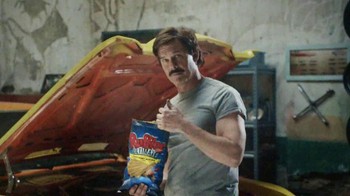 Ruffles Ultimate Tangy Honey Mustard TV Spot, 'Action Hero' - Thumbnail 8