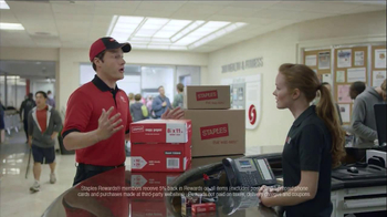 Staples Rewards TV Spot, 'At the Gym'