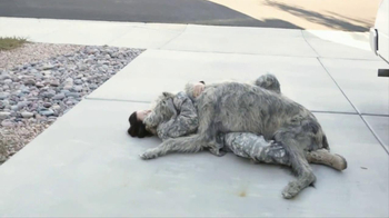 Iams Shakeables TV Spot, 'Rocky & a Soldier' - Thumbnail 7