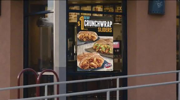 Taco Bell Crunchwrap Slider TV Spot, 'Take the Money and Run' - Thumbnail 3