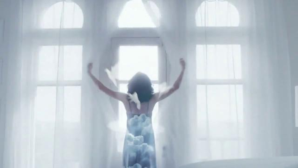 Glade Clean Linen Tv Commercial Feel Fresh And New