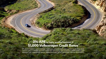 2015 Volkswagen Jetta TV Spot, 'StopDreaming, StartDriving Event: Pinch Me' - Thumbnail 5