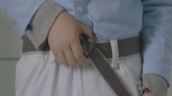 Clorox Bleach TV Spot, 'Bleachable Moments: Belt Buckle' - Thumbnail 5