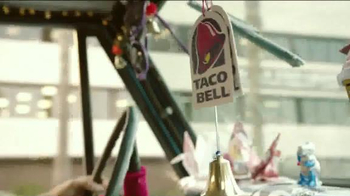 Taco Bell Sriracha Quesarito TV Spot, 'True Fans of the Bell' - Thumbnail 1