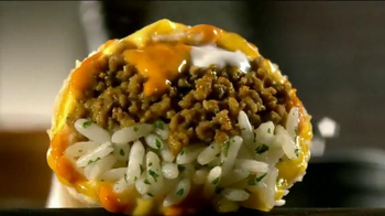 Taco Bell Sriracha Quesarito TV Spot, 'True Fans of the Bell' - Thumbnail 8