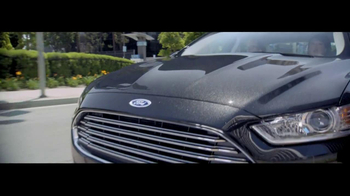 2014 Ford Fusion Hybrid TV Spot, 'Large or in Charge' - Thumbnail 1