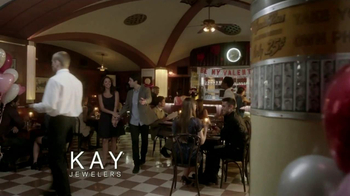 Kay Jewelers TV Spot, 'Photo Booth Valentine's Day' - Thumbnail 1