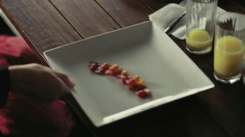 Oscar Mayer Naturally Hardwood Smoked Bacon TV Spot, 'Hip Dad' - Thumbnail 8