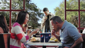 Long John Silver's Cod and Shrimp Basket TV Spot, 'Fish Sandwich' - Thumbnail 4