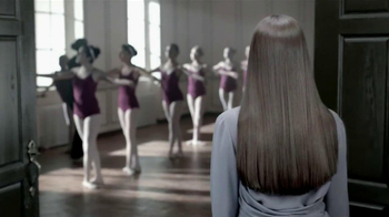 Revlon Luxurious Colorsilk Buttercream TV Spot Featuring Olivia Wilde - Thumbnail 3