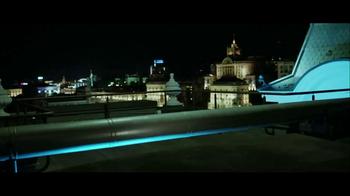 Lenovo Yoga TV Spot, 'Motorcycle Escape' - Thumbnail 1