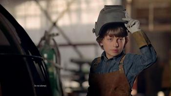 Hyundai Super Bowl 2013 TV Spot, 'Team' Song by Quiet Riot - Thumbnail 6