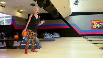 Cottonelle TV Spot, 'Bowling Alley' - Thumbnail 8