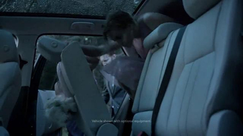 2015 Land Rover Discovery Sport TV Spot, 'Wedding' - Thumbnail 3