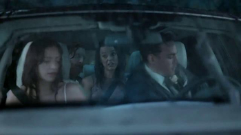 2015 Land Rover Discovery Sport TV Spot, 'Wedding' - Thumbnail 4