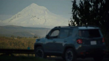 2015 Jeep Renegade TV Spot, 'Jeep Renegade Band' Featuring X Ambassadors - Thumbnail 6