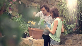 Miracle-Gro TV Spot, 'He Says, She Says'