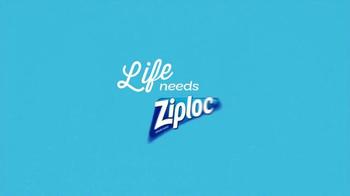Ziploc Easy Open Tabs TV Spot, 'Cafeteria Chaos' - Thumbnail 7