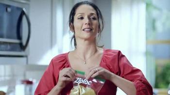 Ziploc Easy Open Tabs TV Spot, 'Cafeteria Chaos' - Thumbnail 6