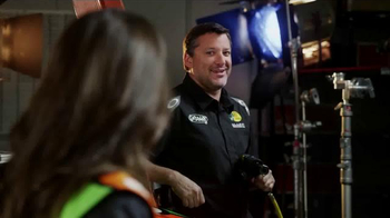 GoDaddy TV Spot, 'Air Wrench: Tony Stewart Pranks Danica Patrick' - Thumbnail 7