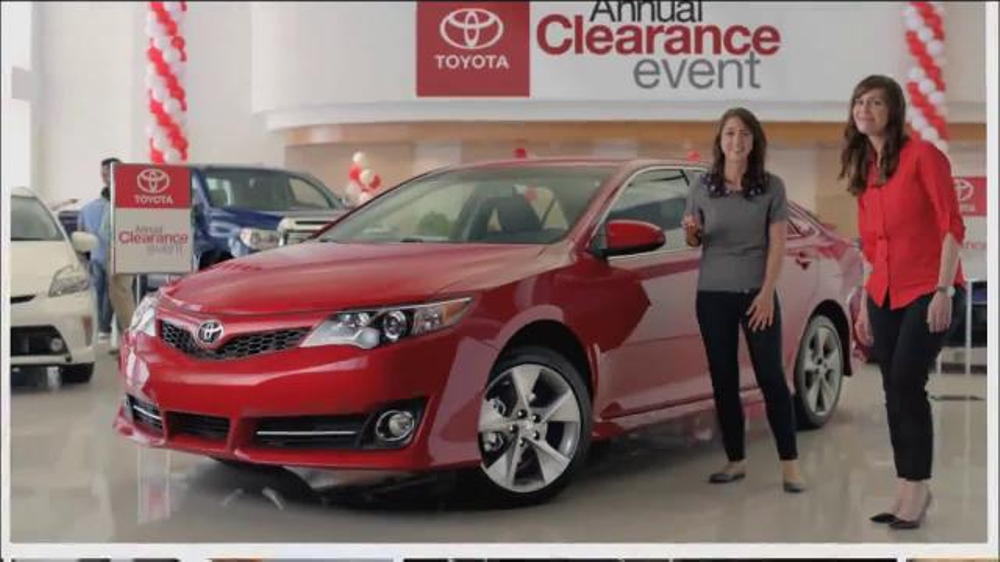 2014 toyota camry le tv commercial 39 annual clearance event 39. Black Bedroom Furniture Sets. Home Design Ideas