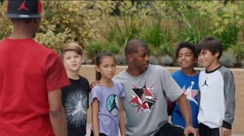 Kids Foot Locker Jordan TV Spot, 'Selfie' Featuring Chris Paul - Thumbnail 8
