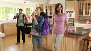 Carnation Breakfast Essentials TV Spot Featuring Holly Robinson Peete - Thumbnail 9