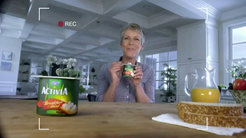 Activia Breakfast Blend TV Spot Featuring Jamie Lee Curtis - Thumbnail 5