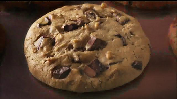 Fiber One Soft-Baked Cookies TV Spot, 'Stock Boy' Song by Scorpions - Thumbnail 10