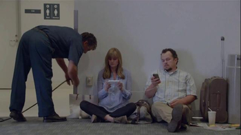 Samsung Galaxy S5 TV Spot, 'Wall Huggers'