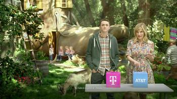 T-Mobile TV Spot, 'Live in a Shoe' - Thumbnail 4