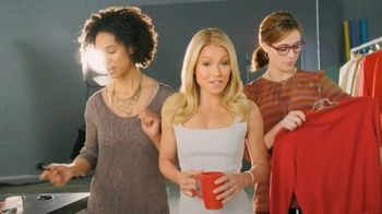 Colgate Total Adavanced Mouthwash TV Spot, 'Beach' Ft. Kelly Ripa