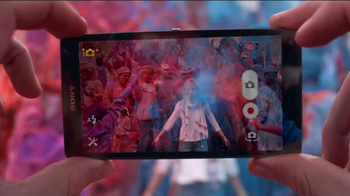 Sony Mobile Xperia Z TV Spot, 'Sound and Vision' Song by David Bowie - Thumbnail 10