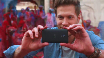 Sony Mobile Xperia Z TV Spot, 'Sound and Vision' Song by David Bowie - Thumbnail 9