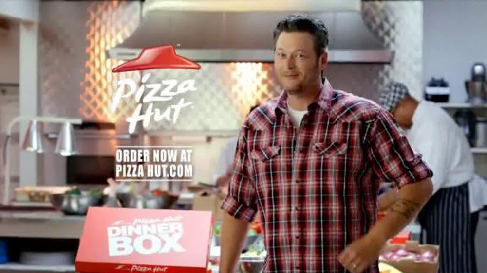 Pizza Hut Kitchen pizza hut dinner box tv commercial featuring blake shelton - ispot.tv