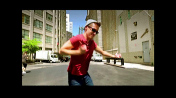 American Eagle Outfitters TV Spot, 'Rock Your Walk' Song by Bruno Mars - Thumbnail 3