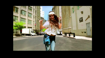 American Eagle Outfitters TV Spot, 'Rock Your Walk' Song by Bruno Mars - Thumbnail 5