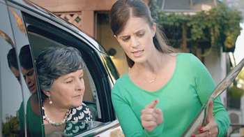 FIAT 500L TV Spot, 'Authentic Italian Family' - Thumbnail 10