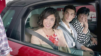 FIAT 500L TV Spot, 'Authentic Italian Family' - Thumbnail 2