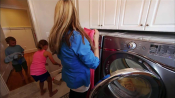 Whirlpool Duet Washer and Dryer TV Spot, 'Product Review' - Thumbnail 5