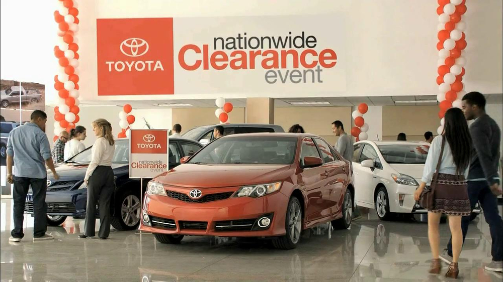 toyota nationwide clearance event tv commercial 39 camry offer 39 ispo. Black Bedroom Furniture Sets. Home Design Ideas